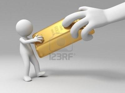 15458224-goud-geld-een-grote-hand-roven-een-gouden-baksteen