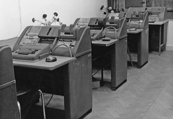 Hollerith-IBM-24-26-en-56-ponskaartmachines